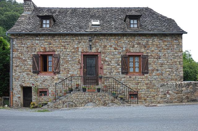 Elewacja z kamienia naturalnego - łupek na ściane