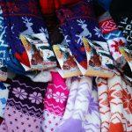 Kolorowe skarpetki z nadrukiem na prezent