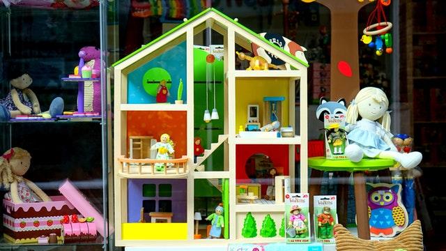 Zabawki kreatywne, czyli jak zadbać o prawidłowy rozwój dziecka