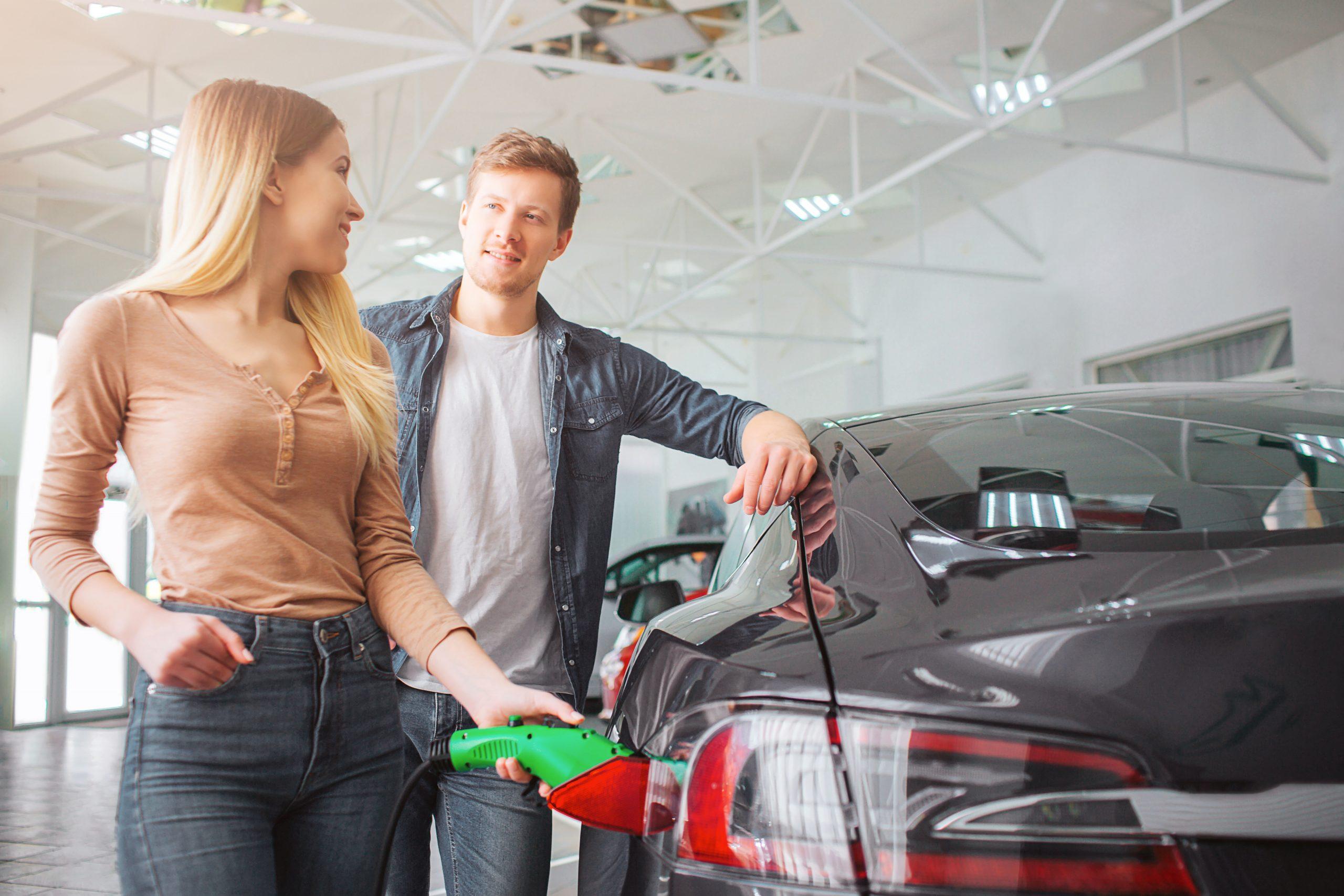 Samochody hybrydowe - na co zwrócić uwagę