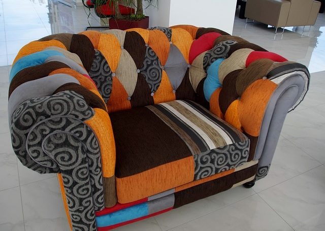 Wszystko co musisz wiedzieć na temat czyszczenia tapicerki meblowej