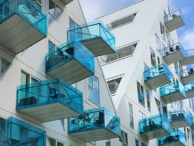 Gdzie w Warszawie zamówić wykonanie balustrad szklanych?