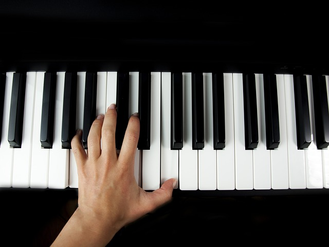 Internetowe lekcje gry na pianinie. Czy są skuteczne?