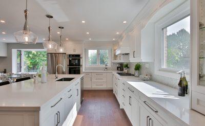 Jakie płytki na podłogę w kuchni wybrać?